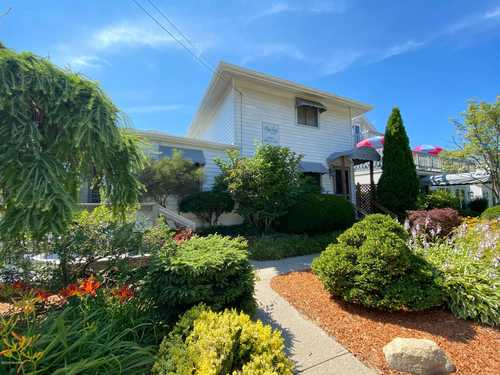$1,295,000 - 3Br/3Ba -  for Sale in Saugatuck
