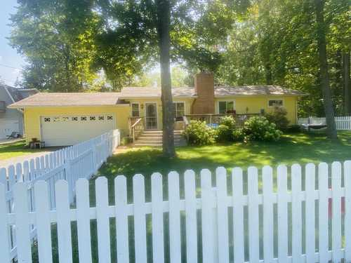 $229,900 - 3Br/1Ba -  for Sale in Pentwater