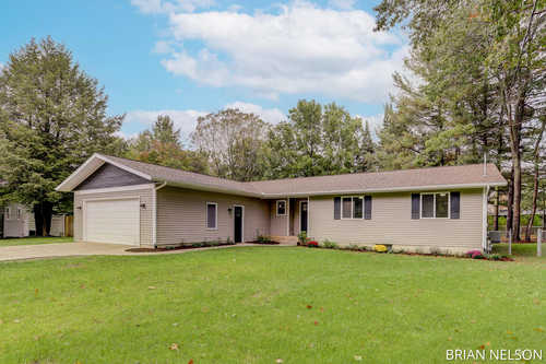 $429,900 - 4Br/3Ba -  for Sale in Holland