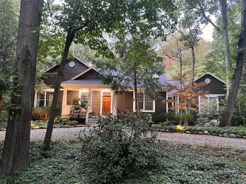 $599,000 - 3Br/3Ba -  for Sale in Fennville