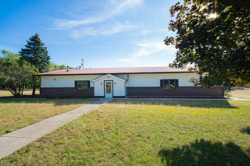 $399,900 - 3Br/1Ba -  for Sale in Fennville