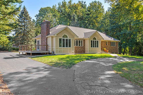 $699,000 - 4Br/5Ba -  for Sale in South Haven