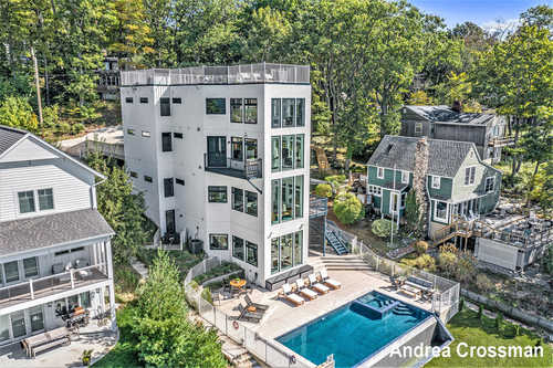 $3,498,000 - 6Br/6Ba -  for Sale in Holland