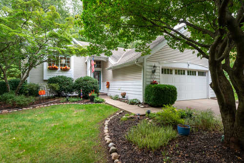 $475,000 - 4Br/2Ba -  for Sale in South Haven