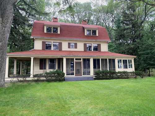 $905,000 - 6Br/2Ba -  for Sale in Montague