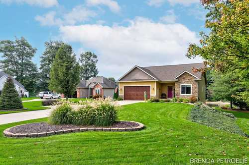 $389,900 - 4Br/3Ba -  for Sale in Holland