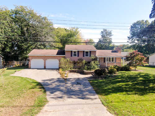 $240,000 - 4Br/2Ba -  for Sale in Grand Haven