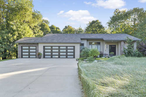 $699,000 - 5Br/3Ba -  for Sale in Saugatuck