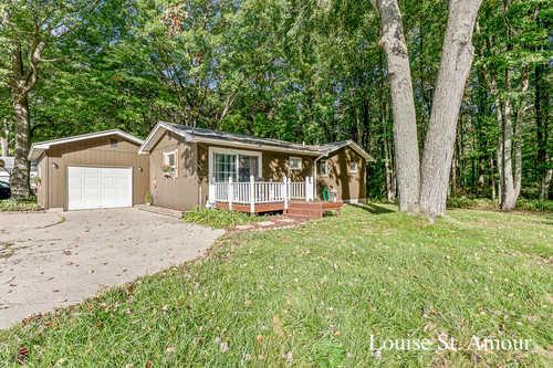 $269,900 - 3Br/2Ba -  for Sale in Spring Lake