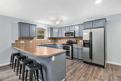$414,900 - 4Br/3Ba -  for Sale in Holland