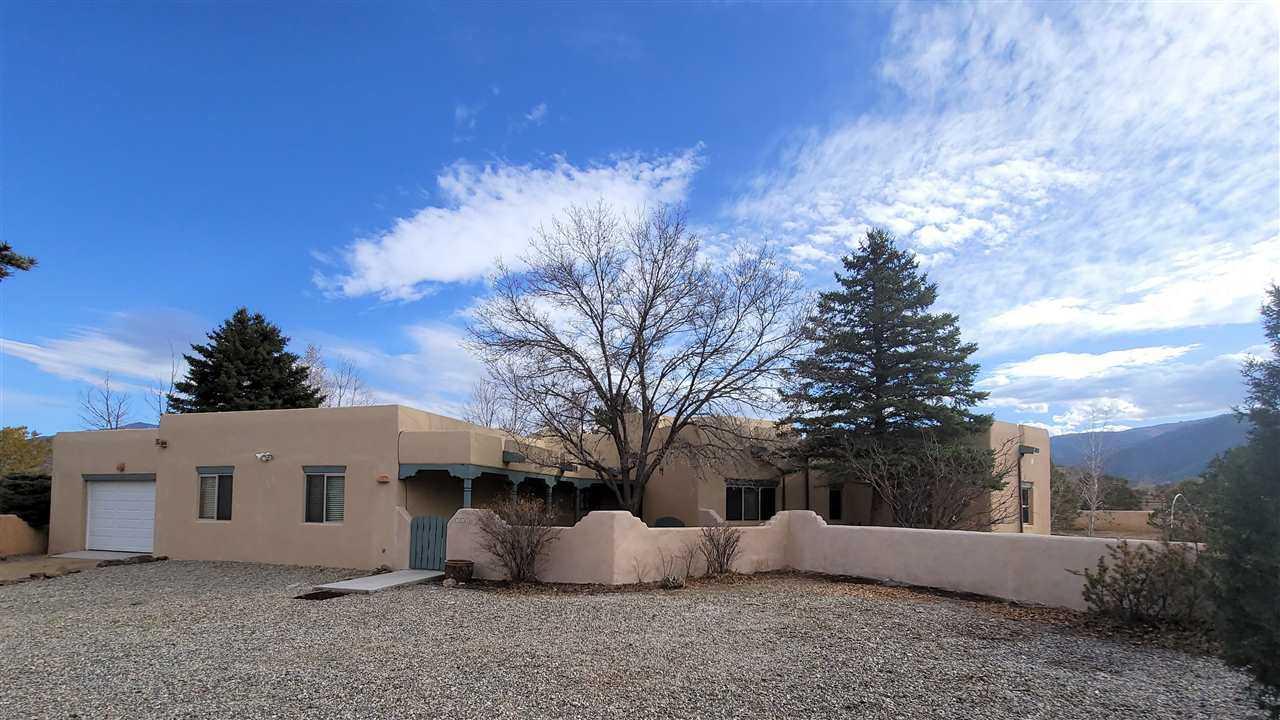 $575,000 - 4Br/3Ba -  for Sale in Vegas De Taos, Taos