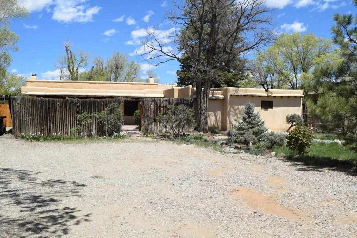 $560,000 - 3Br/2Ba -  for Sale in None, Taos