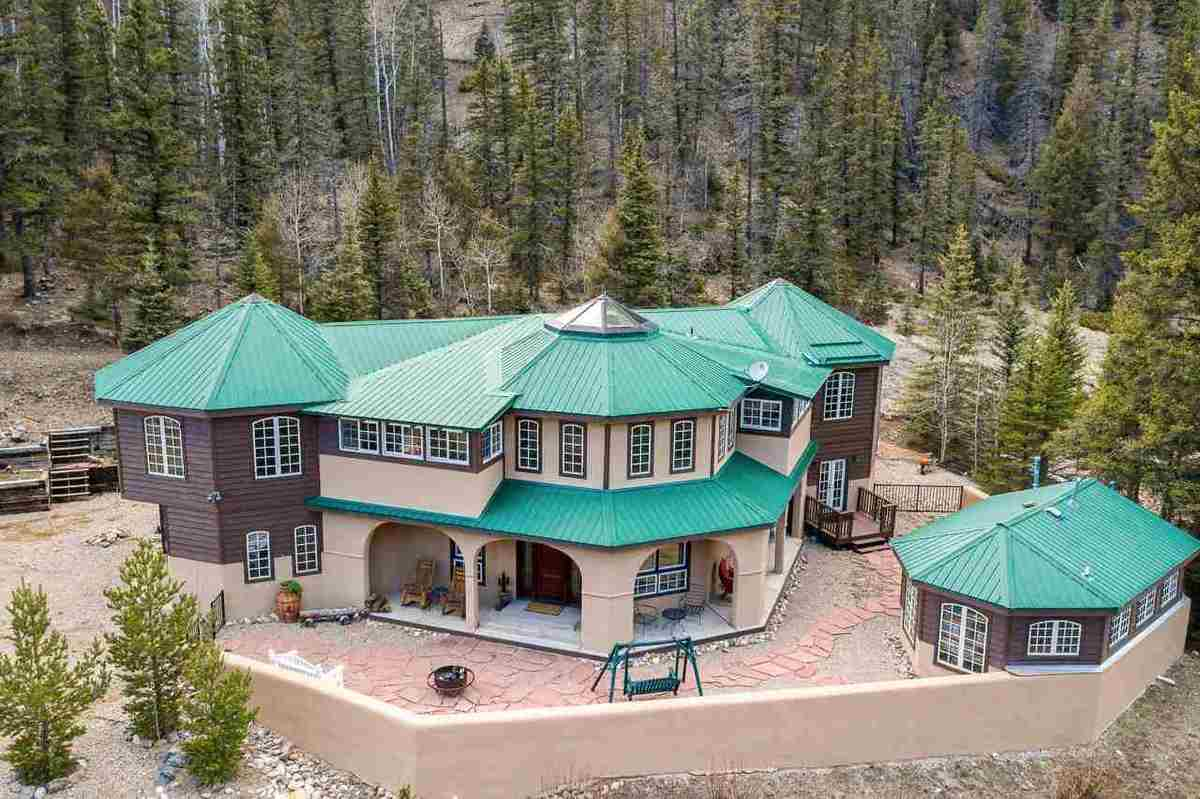 $799,000 - 4Br/4Ba -  for Sale in Valley Of The Pines, Red River