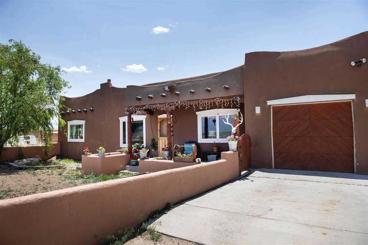 $485,000 - 3Br/3Ba -  for Sale in None, Ranchos De Taos