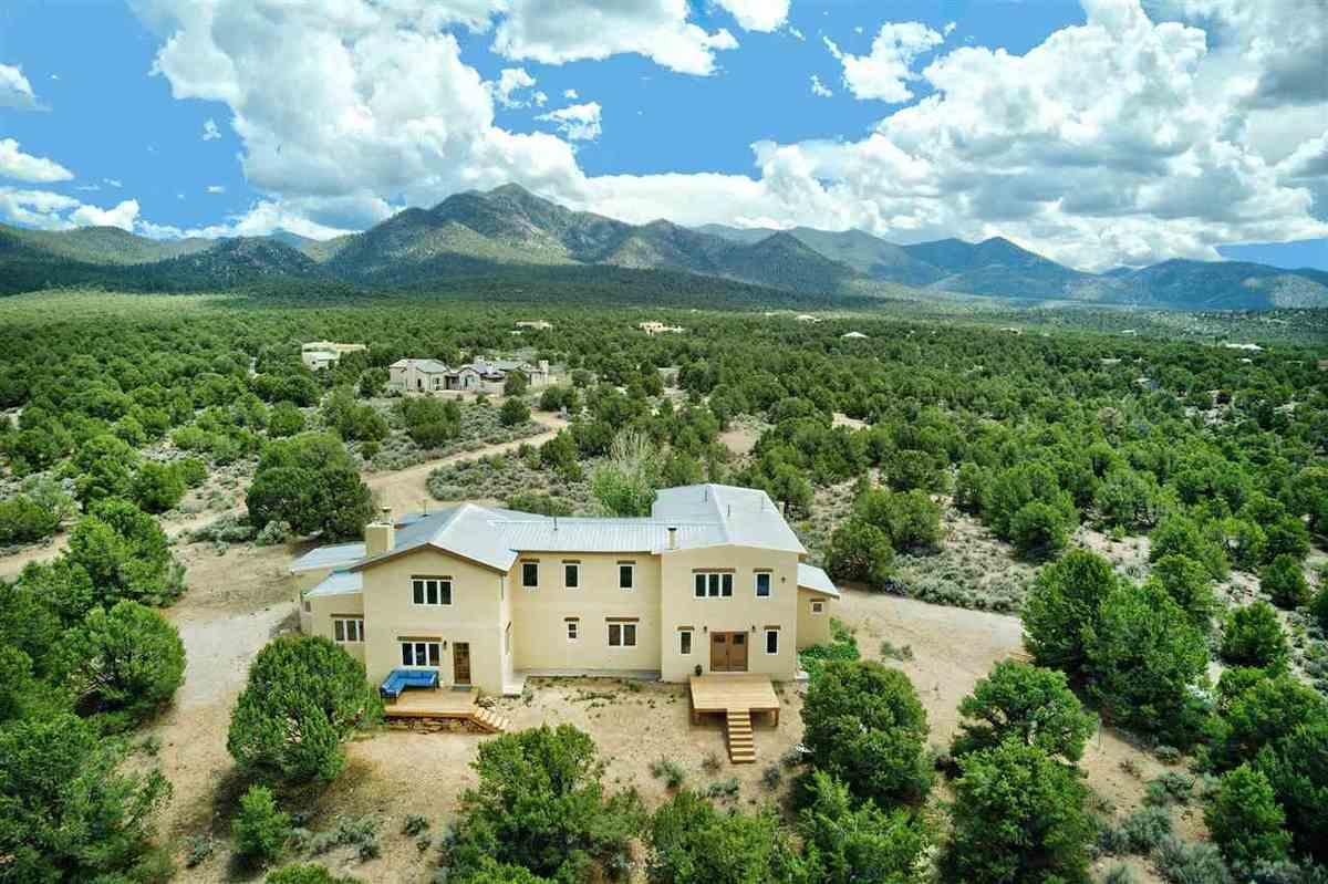$925,000 - 4Br/3Ba -  for Sale in None, Ranchos De Taos