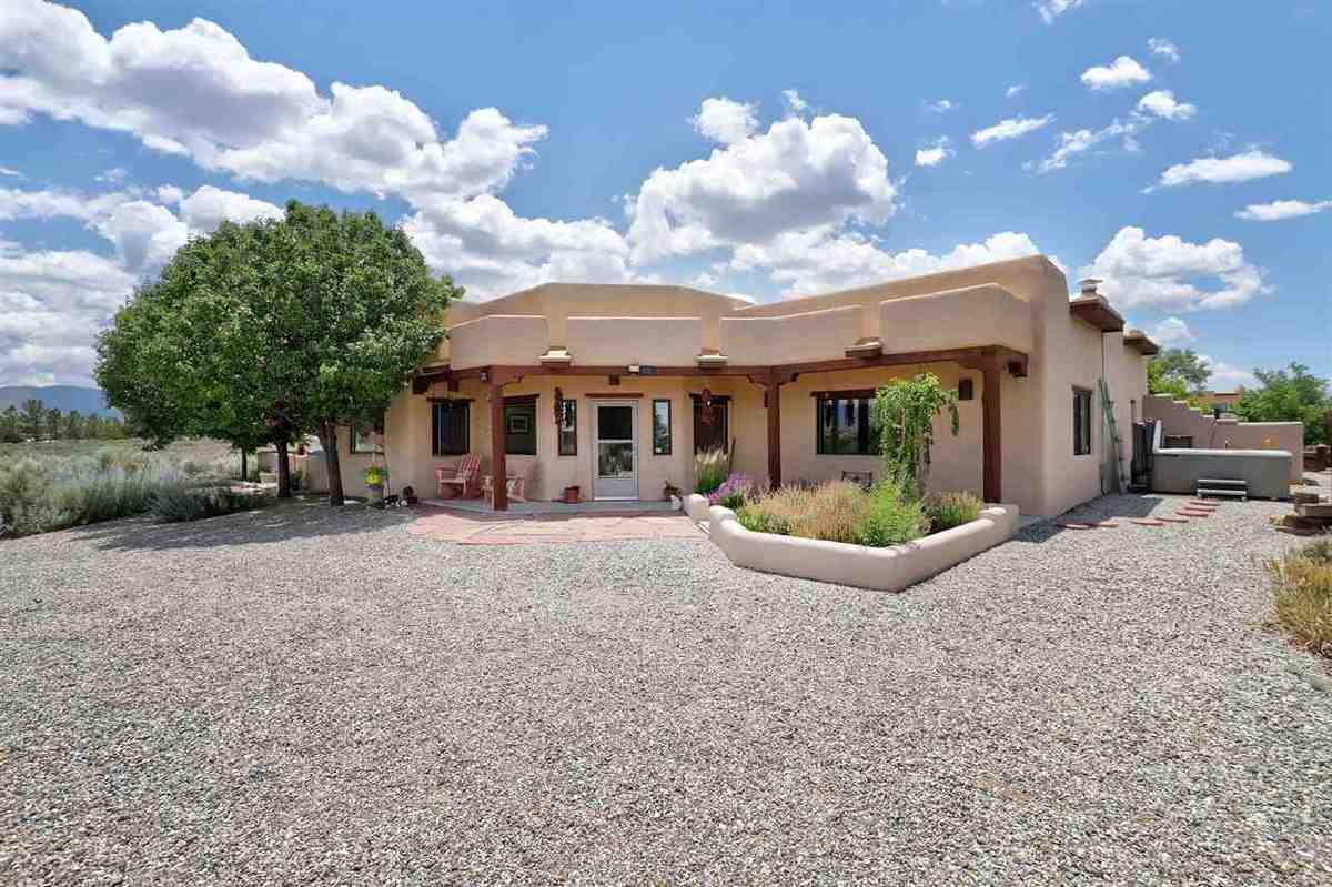 $680,000 - 3Br/3Ba -  for Sale in Vista Linda, Ranchos De Taos