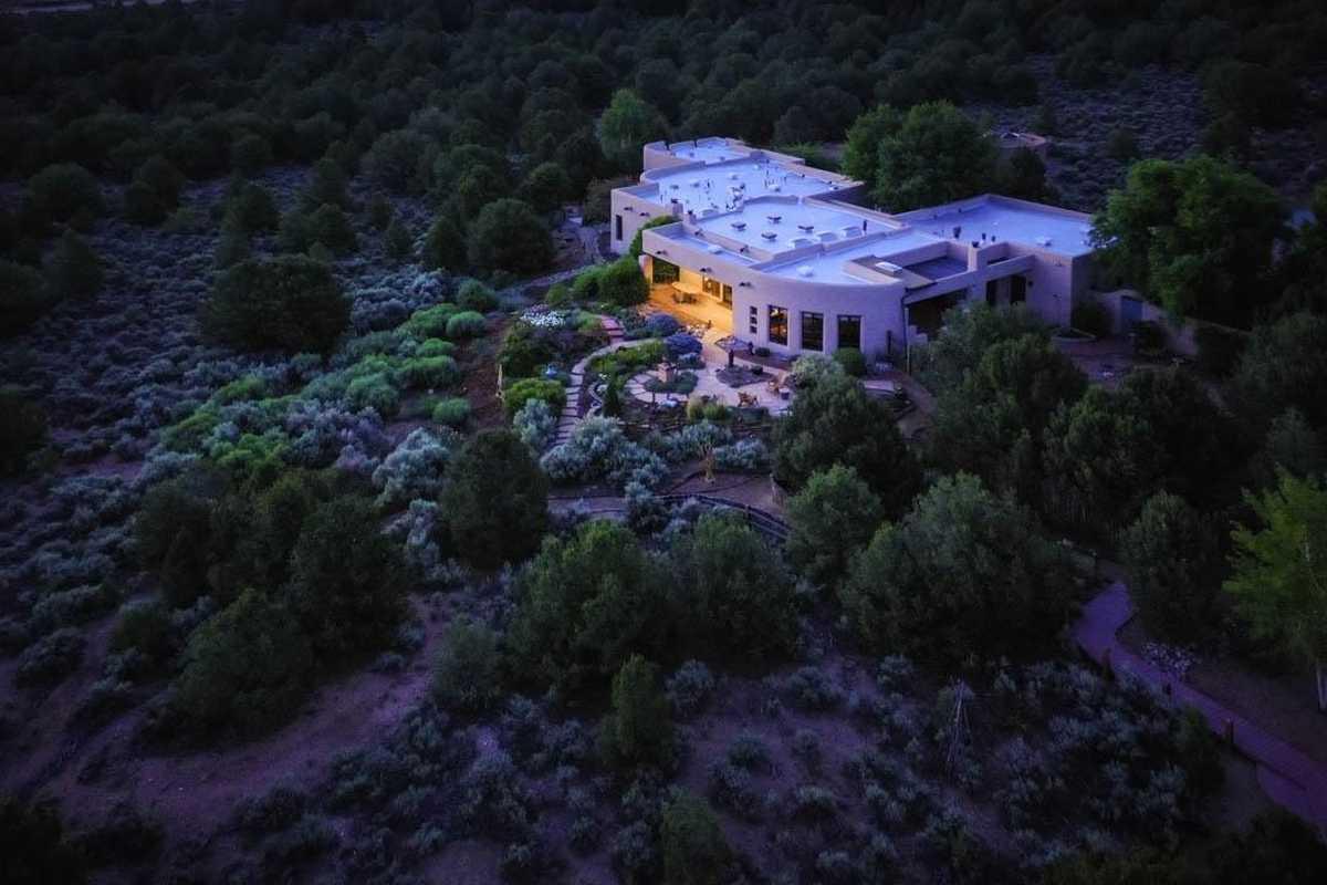 $2,990,000 - 3Br/4Ba -  for Sale in El Mirador, Ranchos De Taos