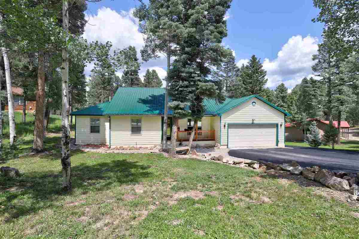 $648,000 - 3Br/3Ba -  for Sale in Country Club 1, Angel Fire