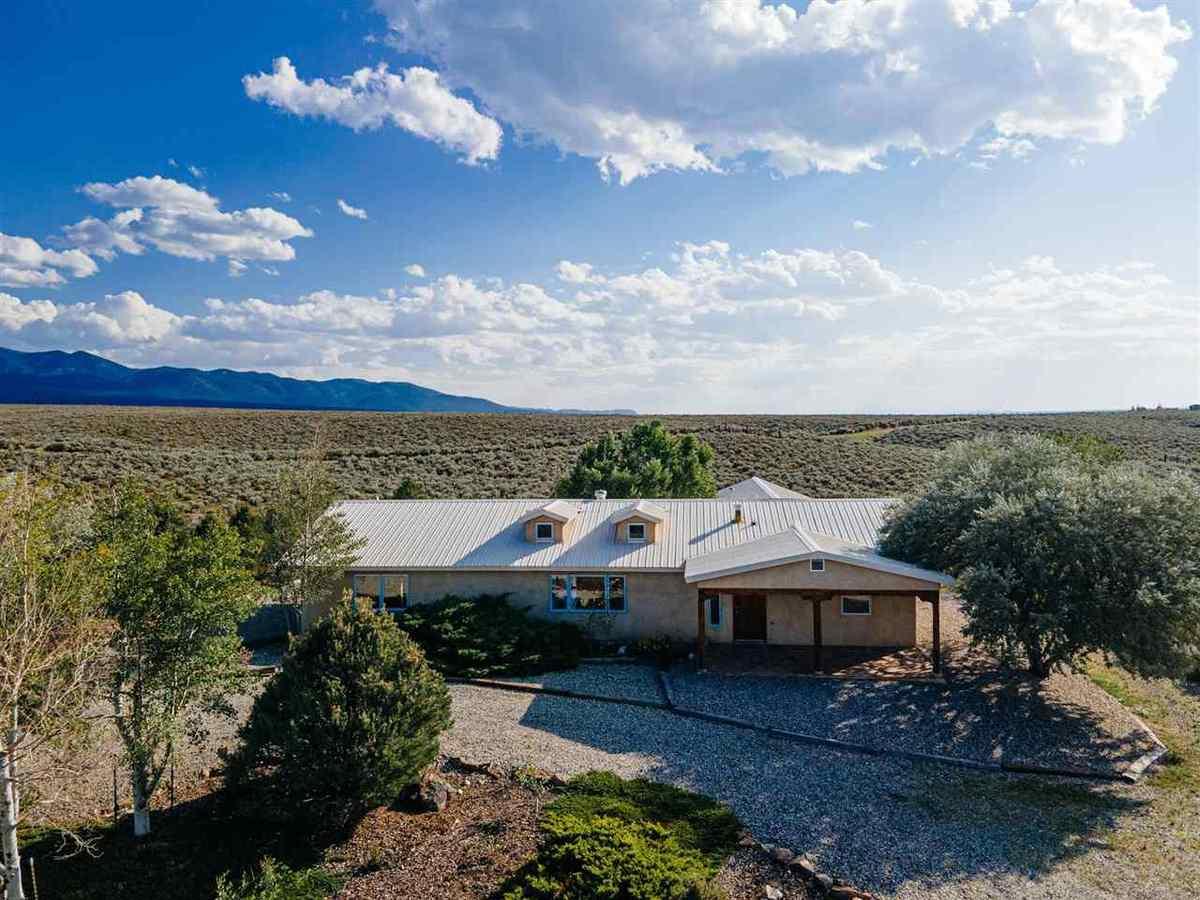 $475,000 - 3Br/2Ba -  for Sale in None, Ranchos De Taos