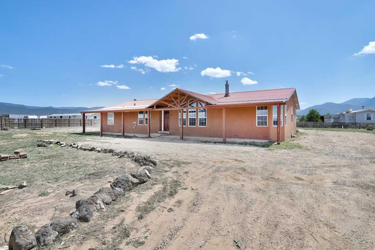 $275,000 - 4Br/2Ba -  for Sale in None, Ranchos De Taos