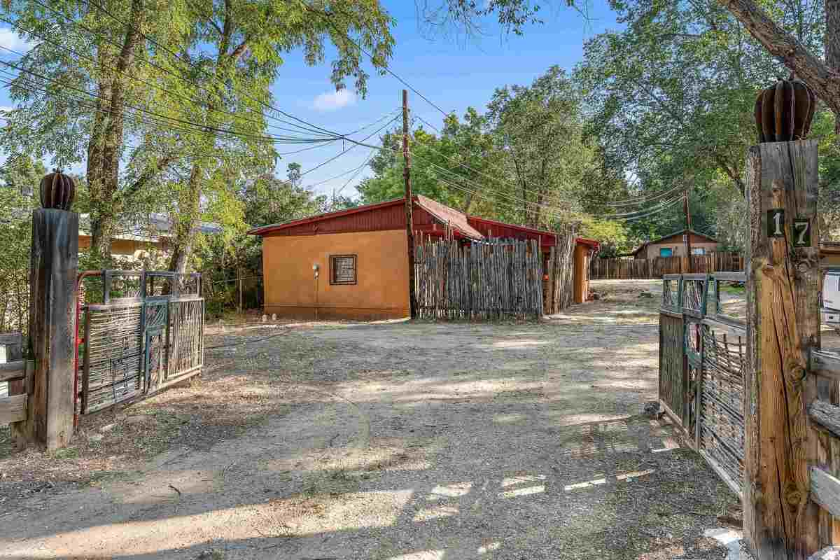 $305,000 - 1Br/1Ba -  for Sale in None, Ranchos De Taos