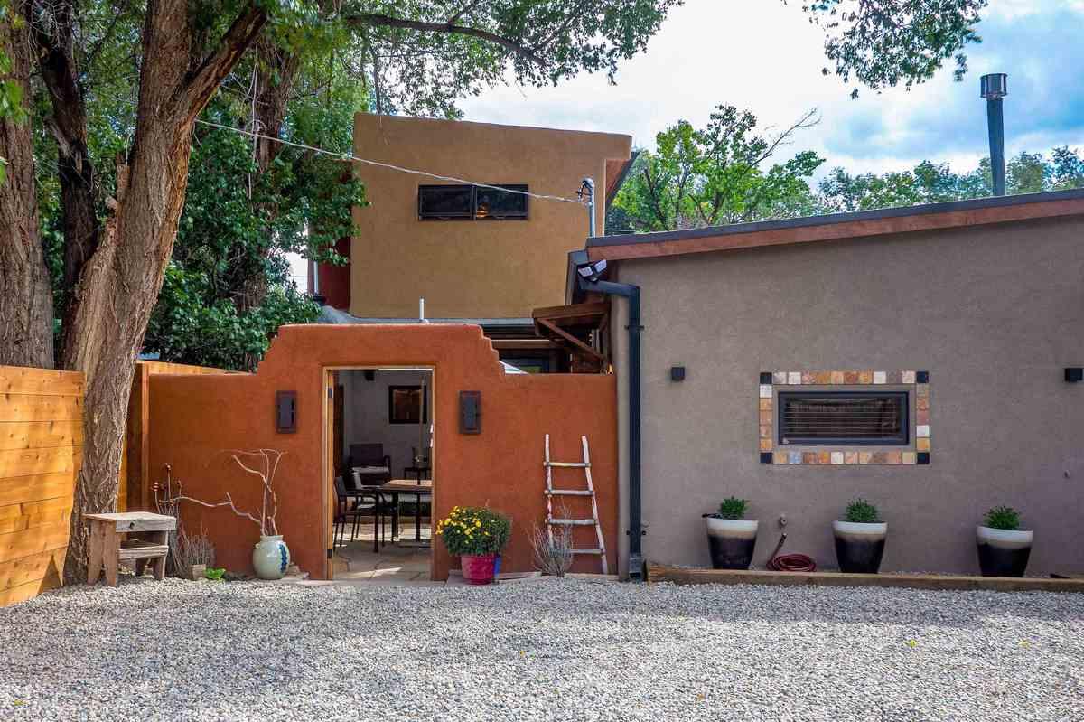 $725,000 - 2Br/2Ba -  for Sale in None, Ranchos De Taos