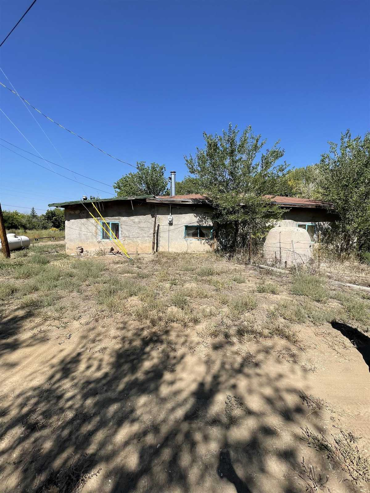 $150,000 - 3Br/1Ba -  for Sale in Other, Ranchos De Taos