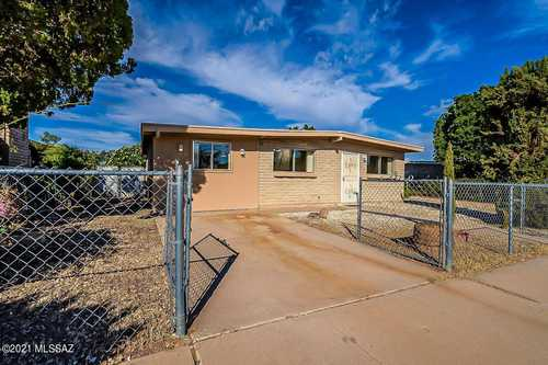 $215,000 - 3Br/2Ba -  for Sale in Ray Subdivision, Tucson