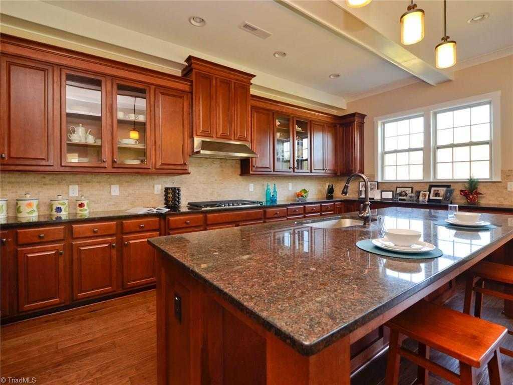 $559,999 - 4Br/5Ba -  for Sale in Bear Creek, Oak Ridge