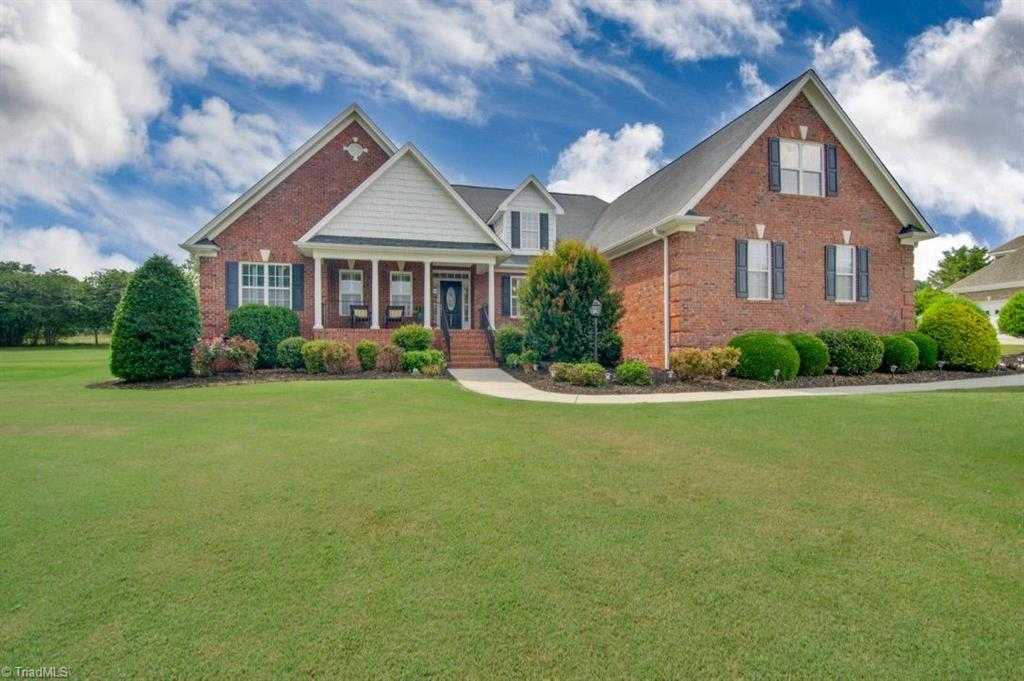 $443,900 - 4Br/4Ba -  for Sale in Carriage House Estates, Colfax