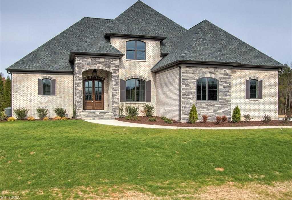 $670,000 - 4Br/4Ba -  for Sale in Linville Ridge, Oak Ridge