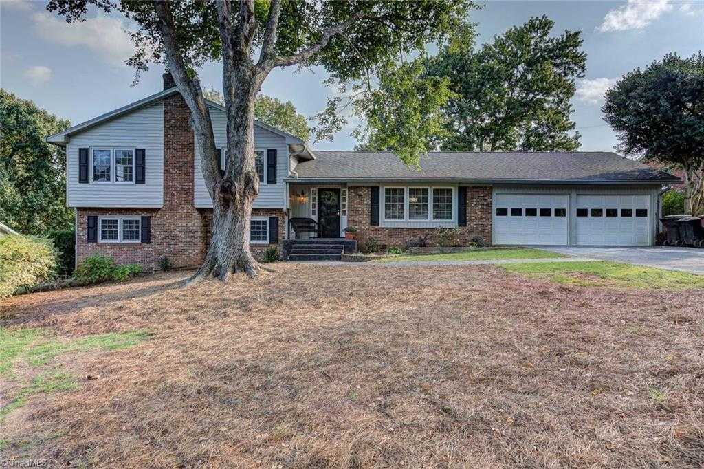 $260,000 - 4Br/3Ba -  for Sale in Emerywood, High Point