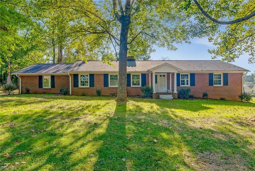 $179,000 - 3Br/2Ba -  for Sale in Pine Brook Country Club, Winston Salem