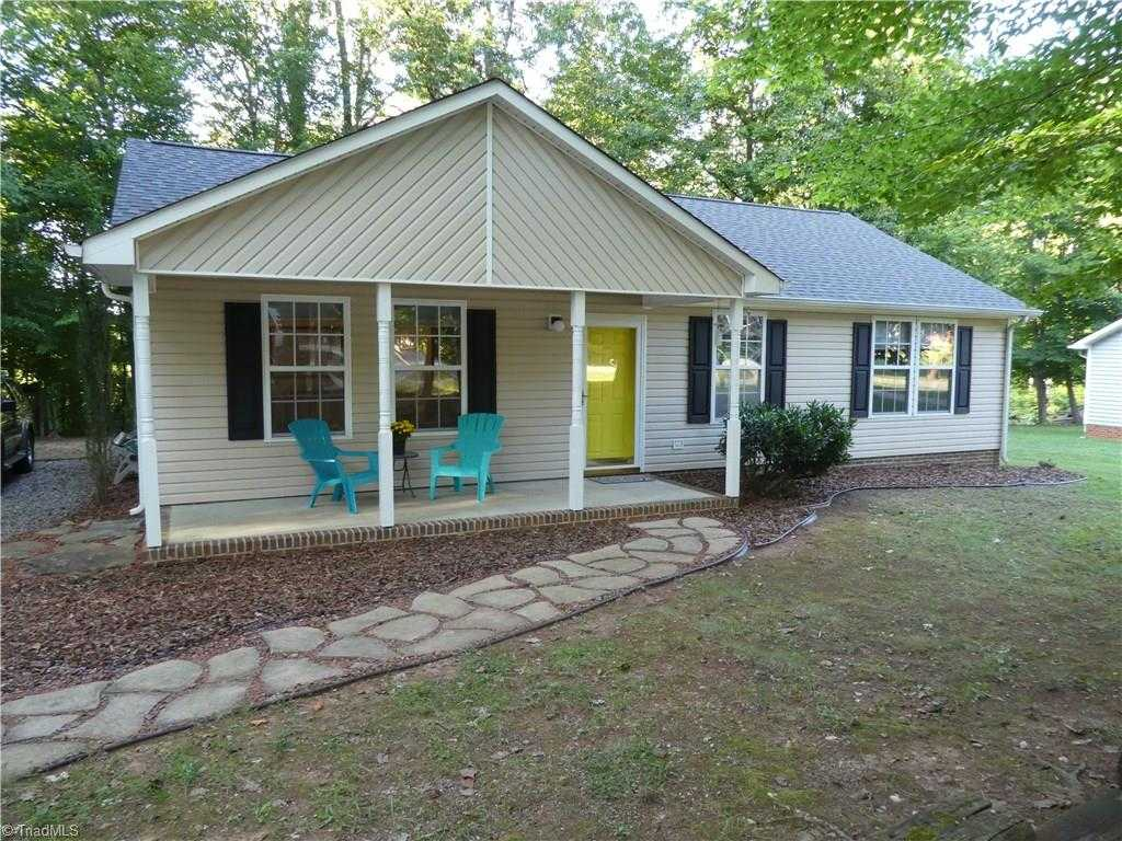 $140,000 - 3Br/2Ba -  for Sale in Bellwood Village, Greensboro