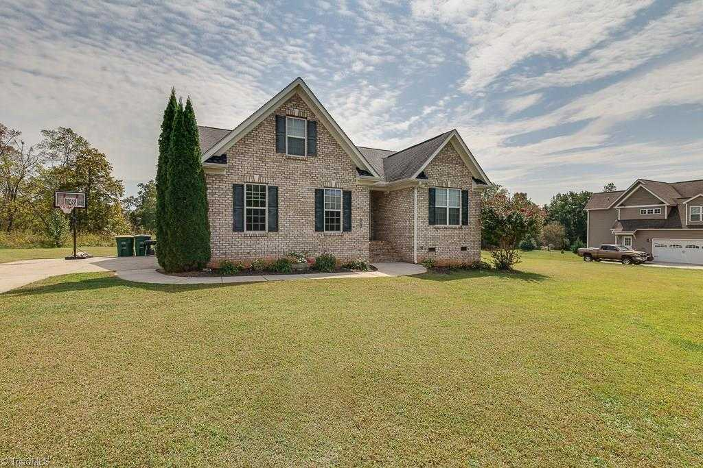 $204,900 - 3Br/2Ba -  for Sale in Boone Trace, Boonville
