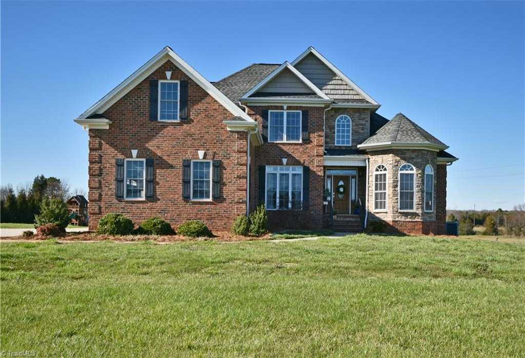 $444,000 - 4Br/4Ba -  for Sale in Baltimore Downs, Advance