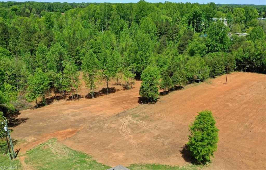 $29,900 - Br/Ba -  for Sale in Holiday Acres, Mocksville