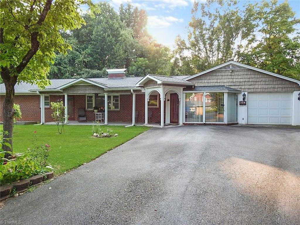 $259,900 - 5Br/3Ba -  for Sale in None, Jonesville