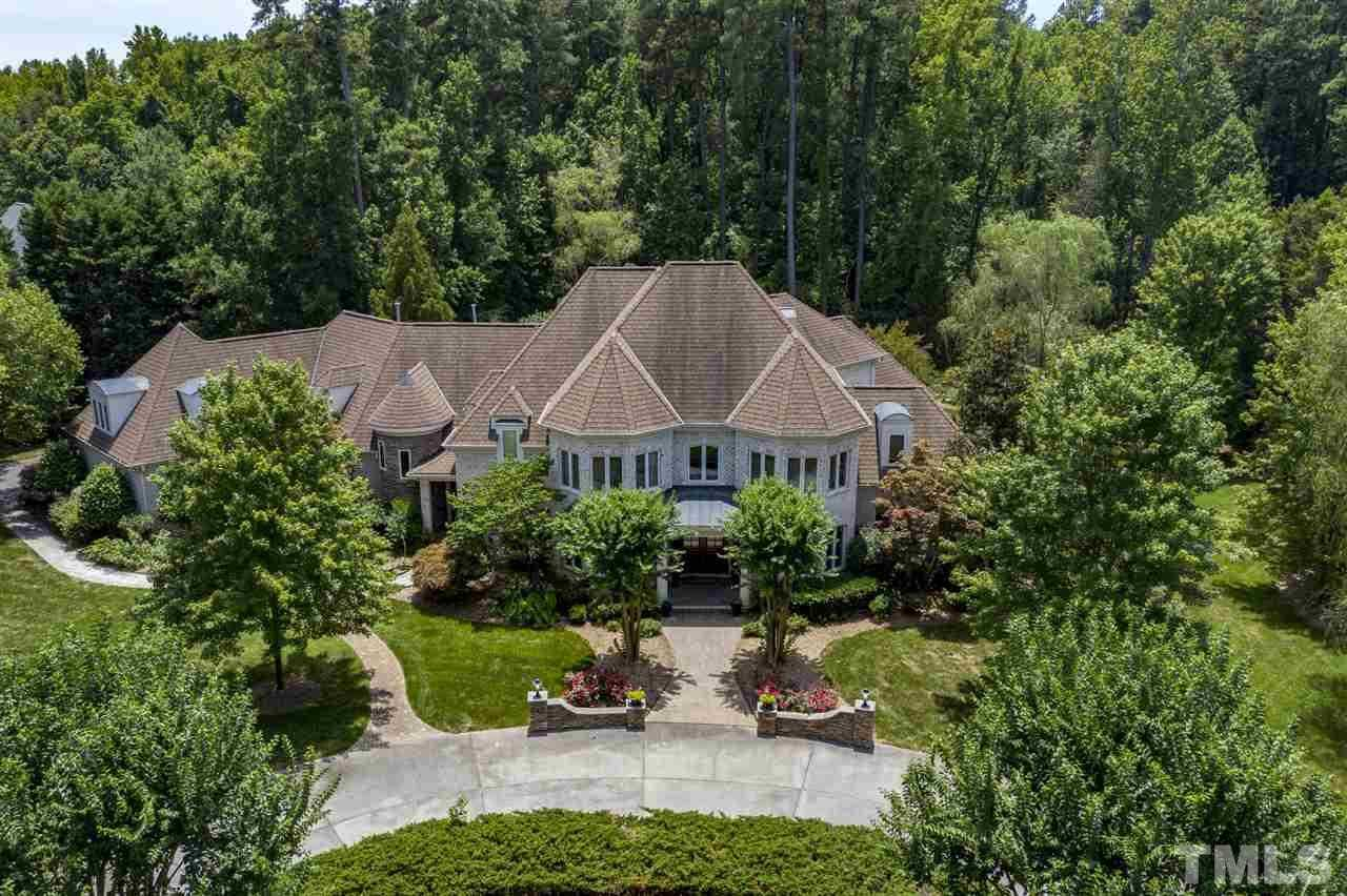 $2,000,000 - 6Br/10Ba -  for Sale in Macgregor West, Cary