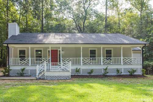 $299,600 - 3Br/2Ba -  for Sale in Quincy Downs, Zebulon