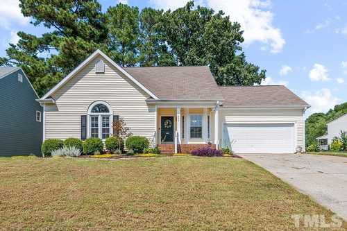 $450,000 - 4Br/3Ba -  for Sale in Oxxford Hunt, Cary