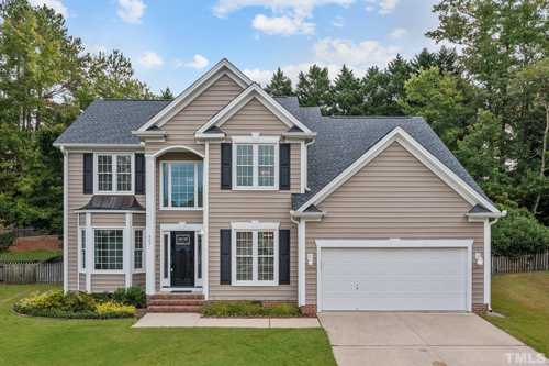 $550,000 - 4Br/3Ba -  for Sale in Brookstone, Cary
