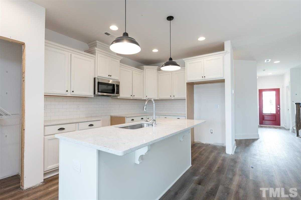 $487,000 - 3Br/3Ba -  for Sale in Wendell Falls, Wendell
