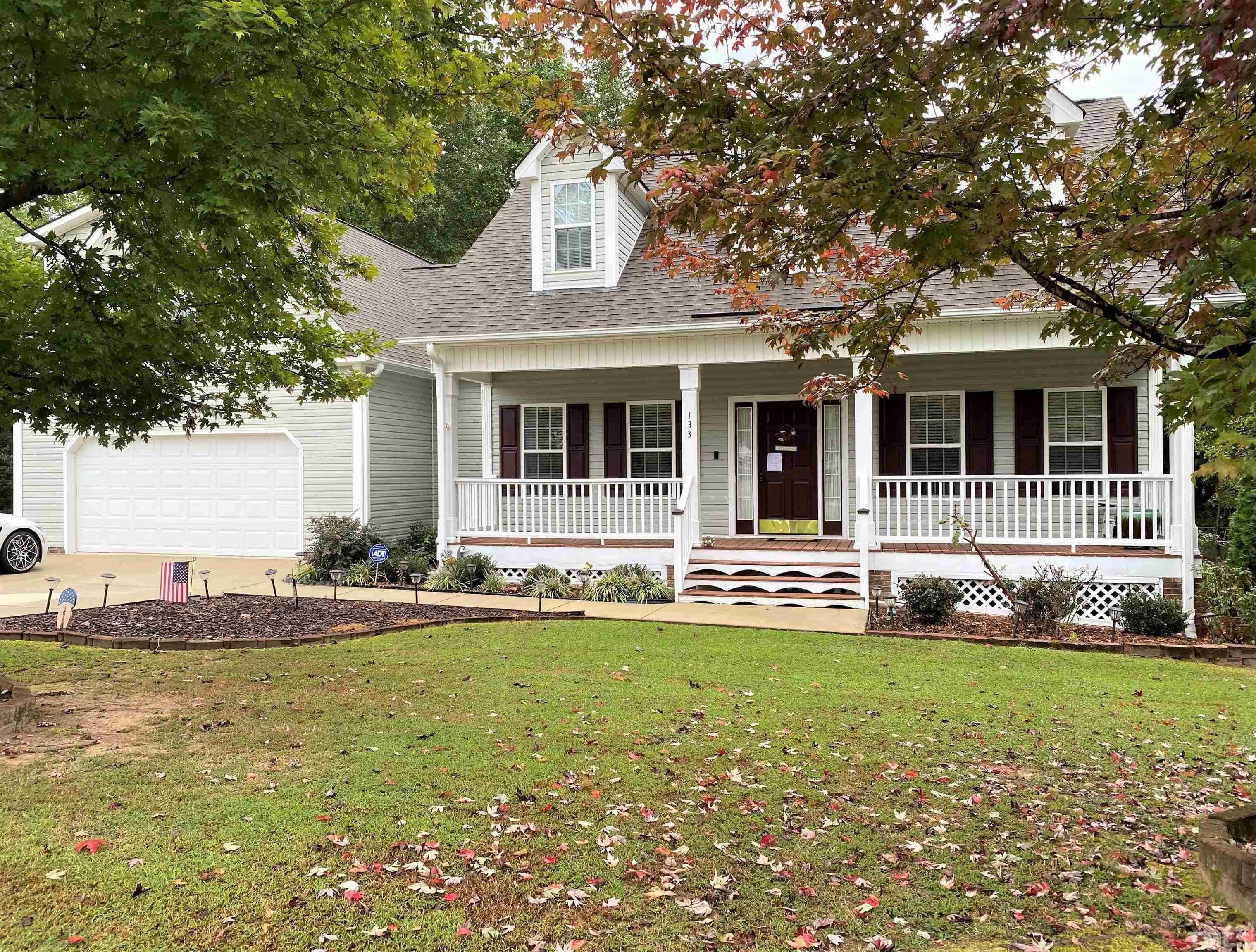 $419,000 - 4Br/3Ba -  for Sale in Jordan Ridge, Garner