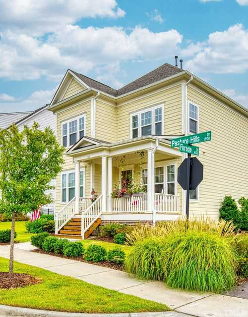 $420,000 - 3Br/3Ba -  for Sale in Holding Village South Lake, Wake Forest