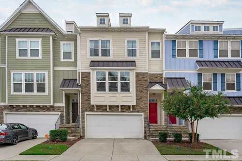 $499,999 - 4Br/4Ba -  for Sale in The Villages Of Apex, Apex