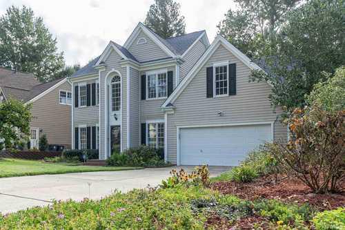 $565,000 - 4Br/3Ba -  for Sale in Dogwood Ridge, Apex