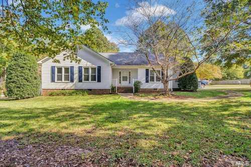 $369,900 - 3Br/2Ba -  for Sale in Treyland Estates, Apex