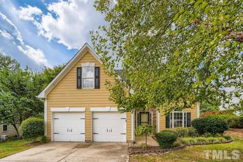 $509,900 - 4Br/3Ba -  for Sale in Greenbrier Townhomes, Apex