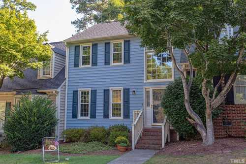 $310,000 - 2Br/3Ba -  for Sale in Heatherwood Townhomes, Apex